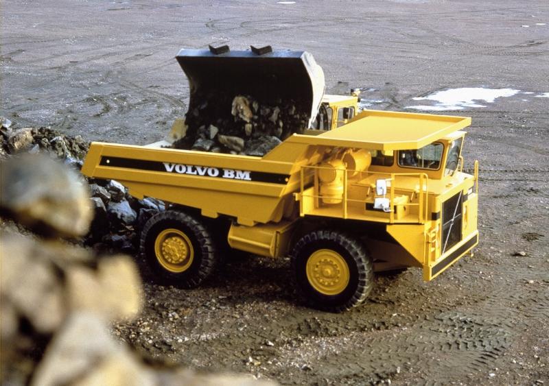 ماشین آلات راهسازی و دیزل ژنراتور ولوو - قدیمی ۴